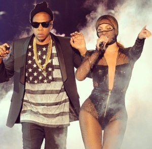 Beyonce-and-Jay-Z-On-the-Run-Tour-Outfits-Revealed-givenchy-beyonce-catsuit-fashion-bomb-daily